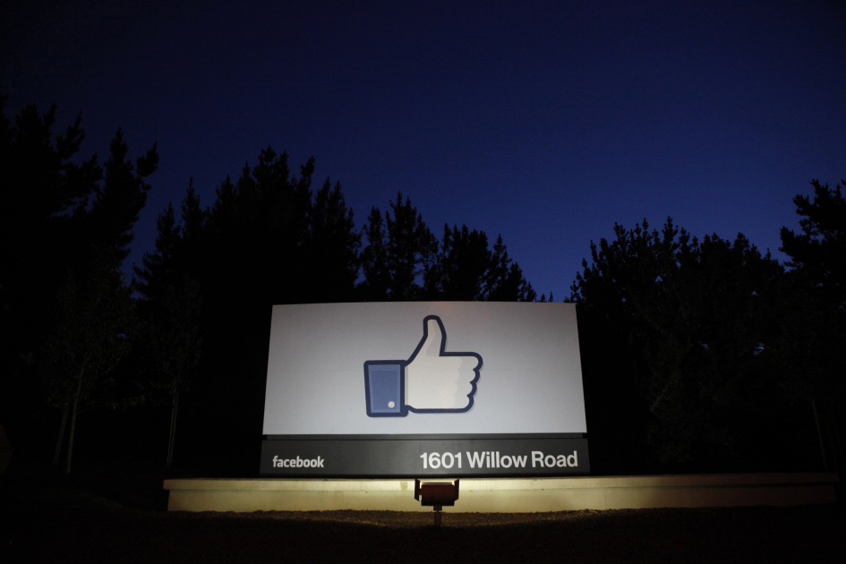 Facebook vows legal action after being forced to block Thai anti-royalty group